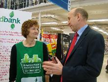 john healey mp at the tesco food bank collection in wath (2)_be