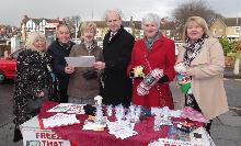 john healey mp campaigning for an energy price freeze in wickersley (2)_be